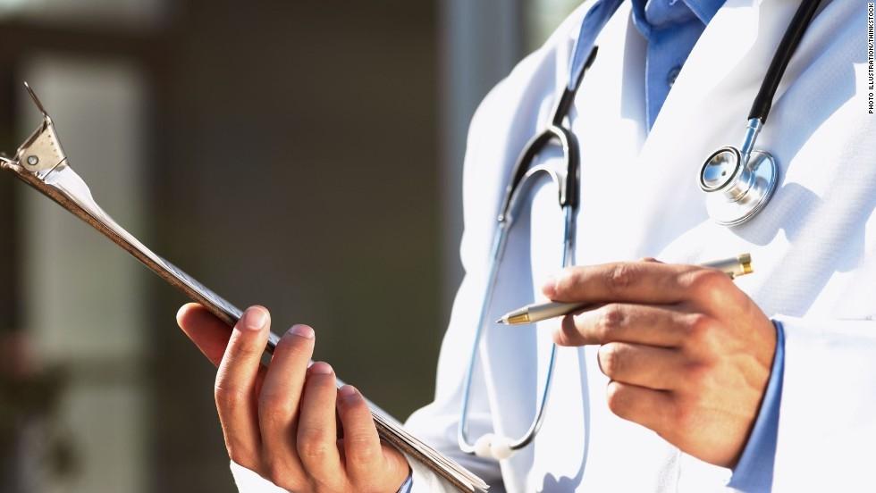 Сахалинские активисты ОНФ предлагают страховать врачей скорой помощи