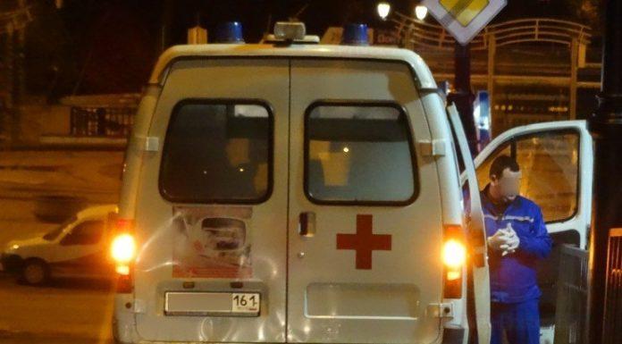 В Ростове голый пациент разбил машину скорой помощи