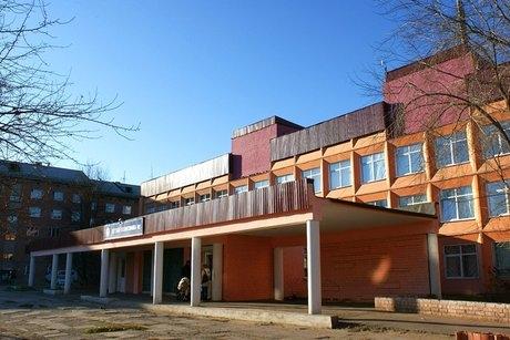 В Иркутской поликлинике из-за нехватки кадров родители чуть не подрались в очереди