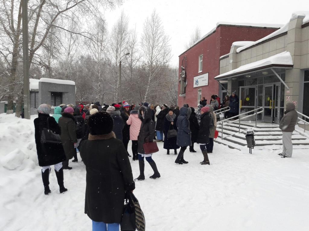 В Перми поликлинику эвакуировали из-за подозрительной коробки