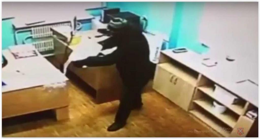 В Волжском наркоман с пистолетом поджег психбольницу (видео)