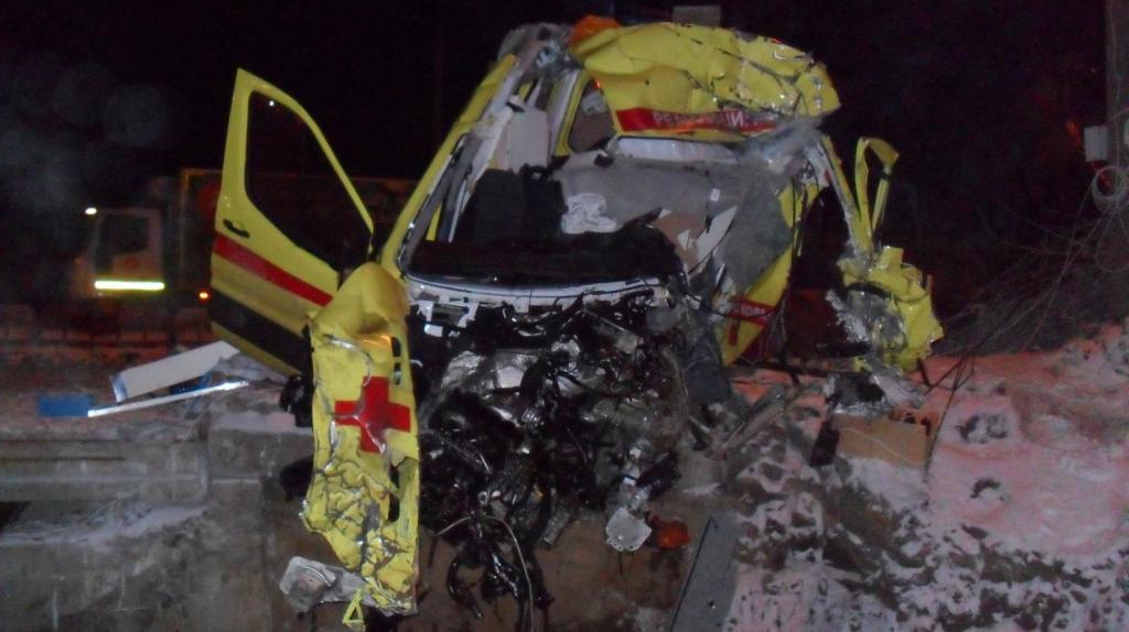 5 пострадавших в аварии со «скорой»