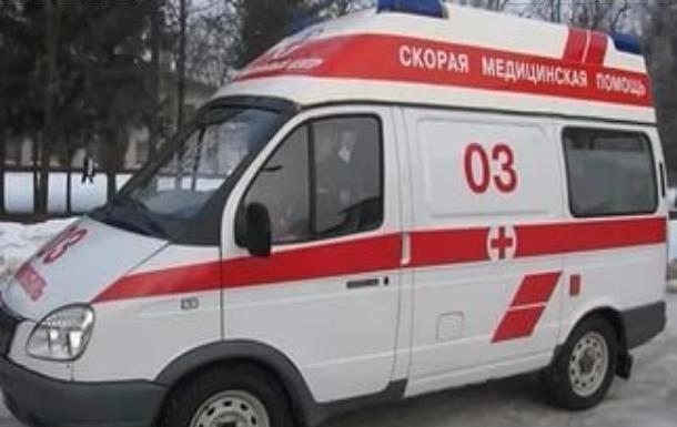 Врачи заставили «пациента» вымыть пол в машине «скорой»