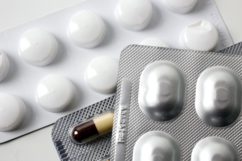 Минздрав снизил цены на препараты для терапии ВИЧ в два раза