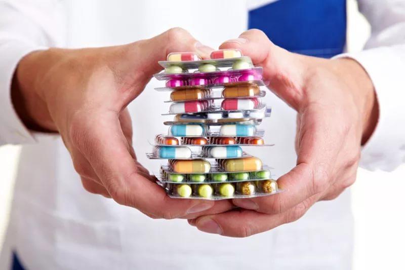 ФАС удалось снизить стоимость более чем на 100 наименований лекарств