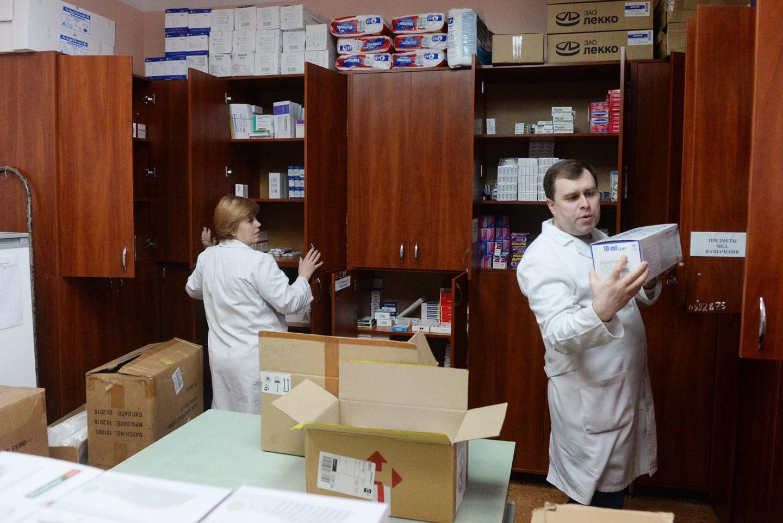 Минфин раскритиковал идею о закупках препаратов без конкуренции