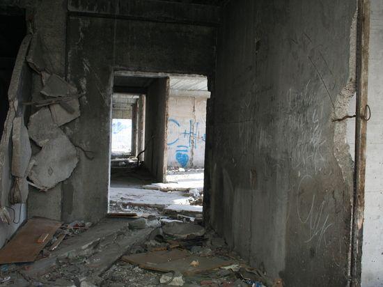 Корпуса челябинских больниц десятилетиями стоят недостроенными, даже заборов нет