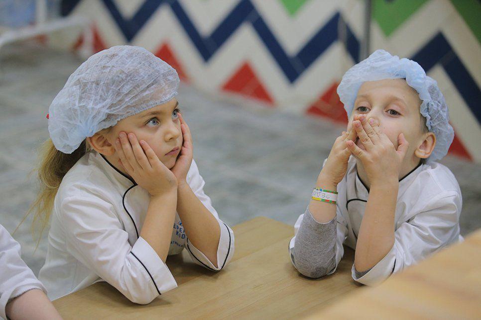 ВЦИОМ: большинство российских родителей хочет видеть детей медиками