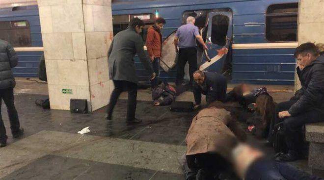 В больницах Петербурга врачи борются за жизнь пострадавших в теракте