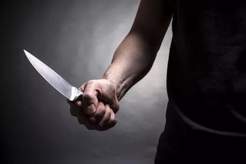 "Нападение на ""скорую"": избили фельдшера и изрезали ножом санитара"