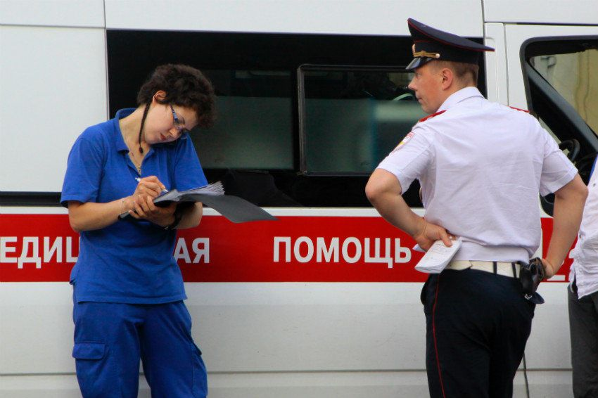 В Сыктывкаре пьяная женщина избила фельдшера скорой помощи