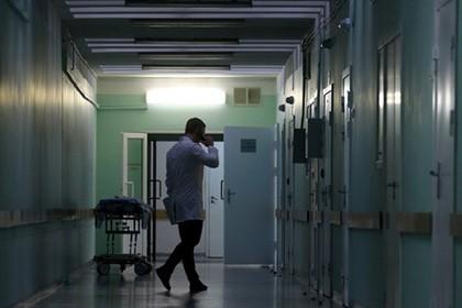 Мошенник лечил пациентов