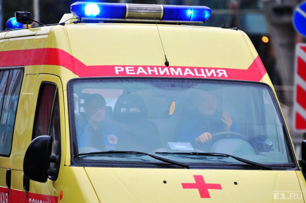 Автомобиль скорой помощи обстреляли из пневматического оружия