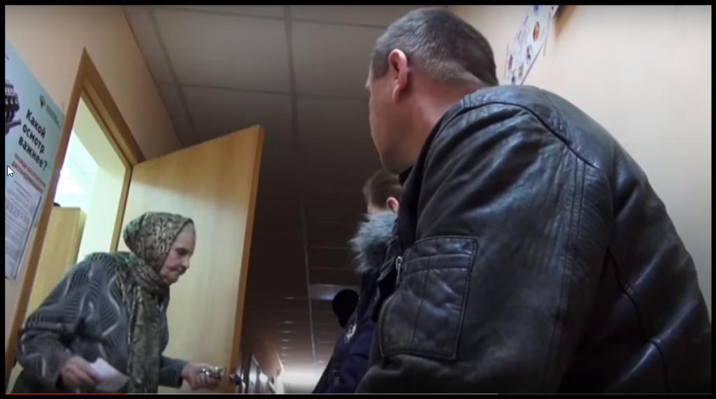В день Алексей Кардумов принимает от 30 до 80 пациентов