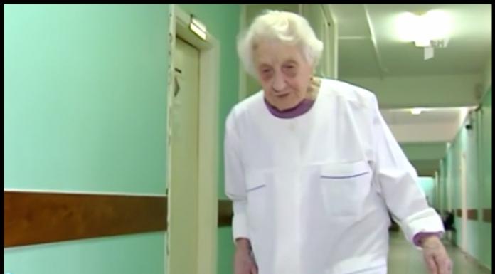 Практикующий 90-летний хирург-ветеран рассказала о своей работе