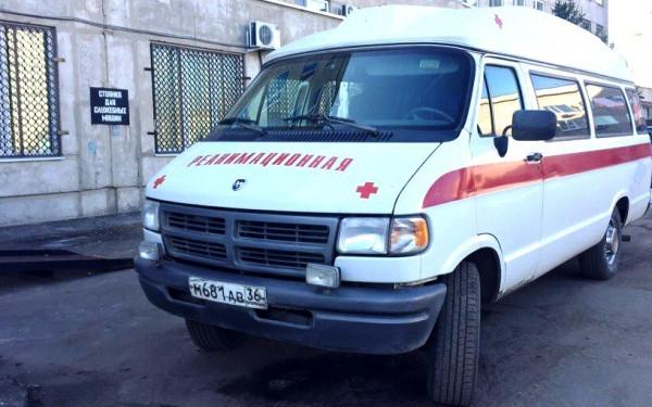 Медики на скорой помощи