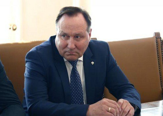 Глава свердловского Минздрава приказал главврачам гнать медиков на выборы губернатора