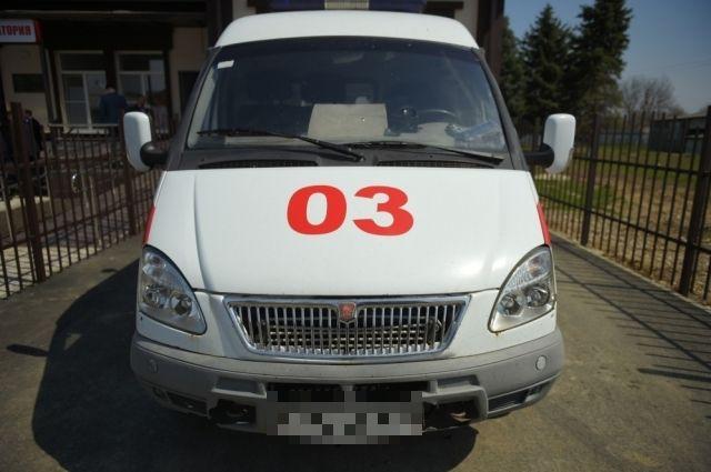 Водитель скорой, отказавшийся помогать пациенту, уволился, грузчик - это врач