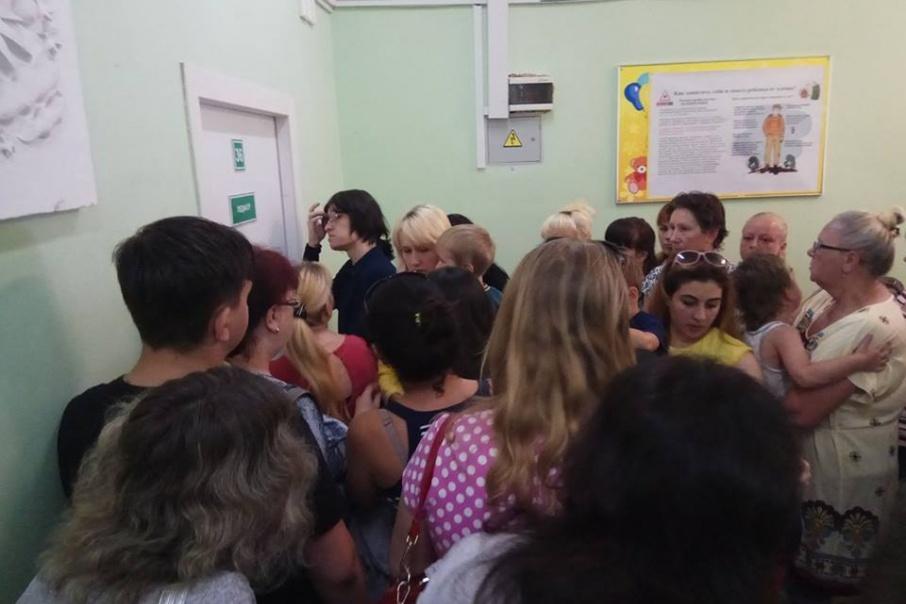 В Ярославле из-за драки родителей в очереди к педиатру извинялась замглавврача