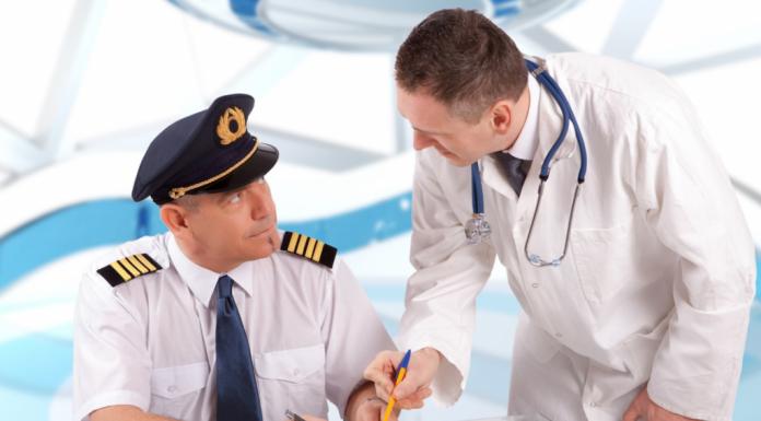 Российским авиакомпаниям предлагают открыть ставку для врачей на борту