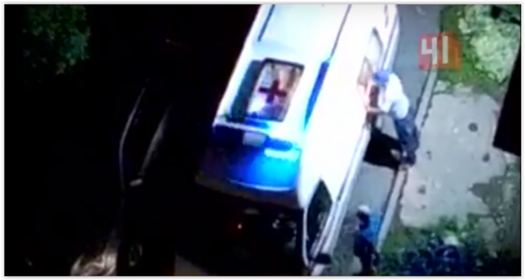 На медиков двух скорых в Екатеринбурге напали пьяные хулиганы