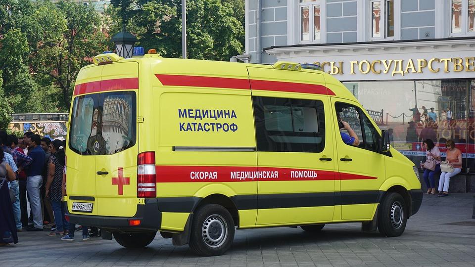 Медик пострадал в ДТП со скорой в Подмосковье
