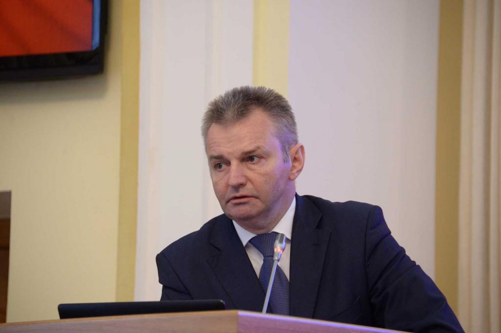 Медведев освободил от должности первого замминистра здравоохранения Игоря Каграманяна
