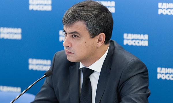 Морозов опроверг сообщения СМИ о позиции профильного комитета по вопросу ограничений для непривитых детей