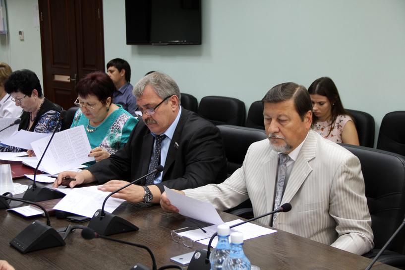 Тамбовские депутаты хотят «заманить» фельдшеров всело полумиллионом рублей