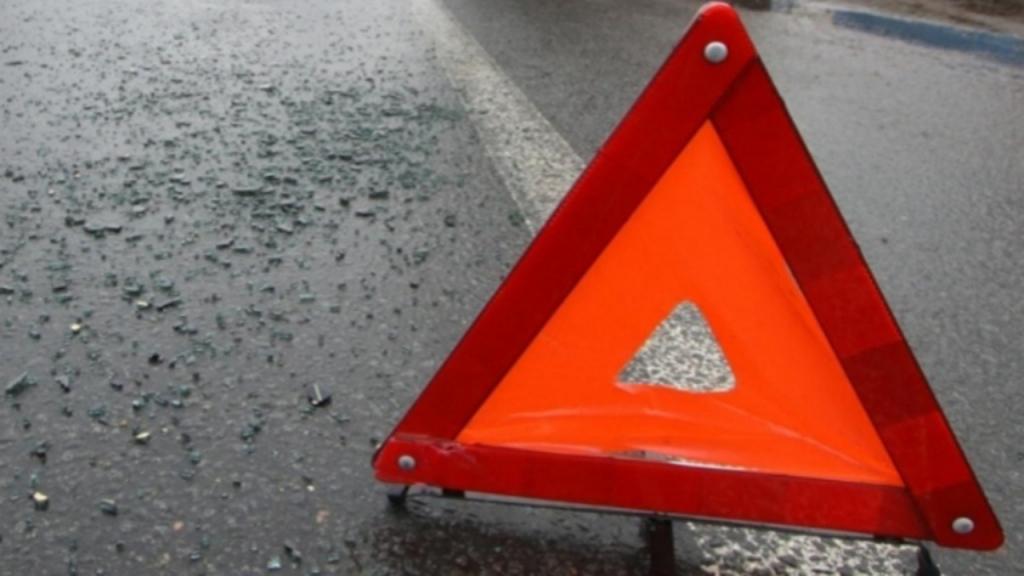 Один человек пострадал в результате ДТП с участием «скорой помощи» и mercedes в Москве
