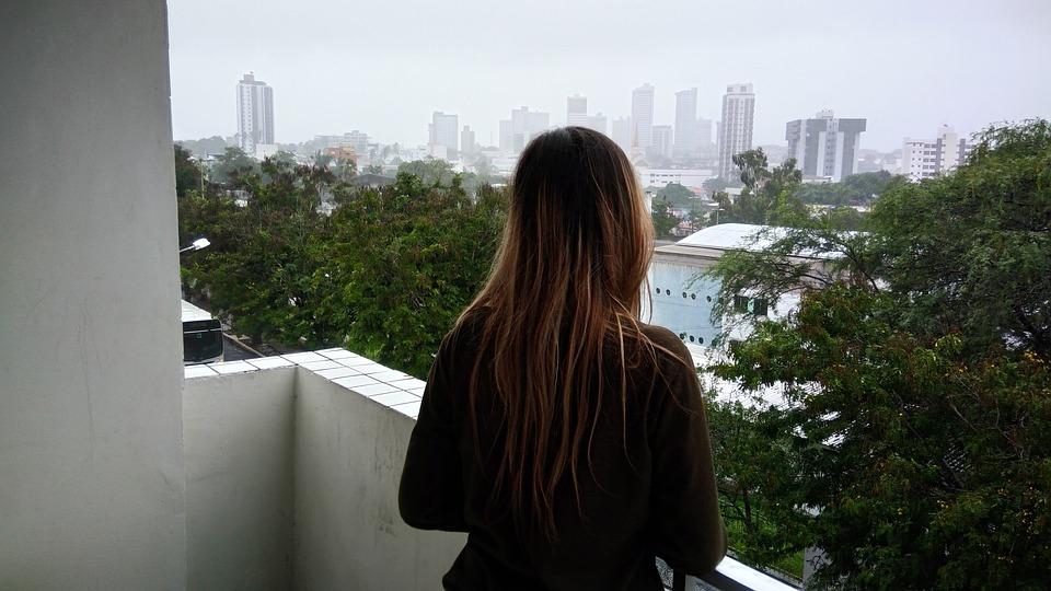 Фельдшер —о том, как уговорить самоубийцу не прыгать вниз