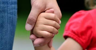 Что делать, если родители отказываются лечить ребенка с вирусом иммунодефицита
