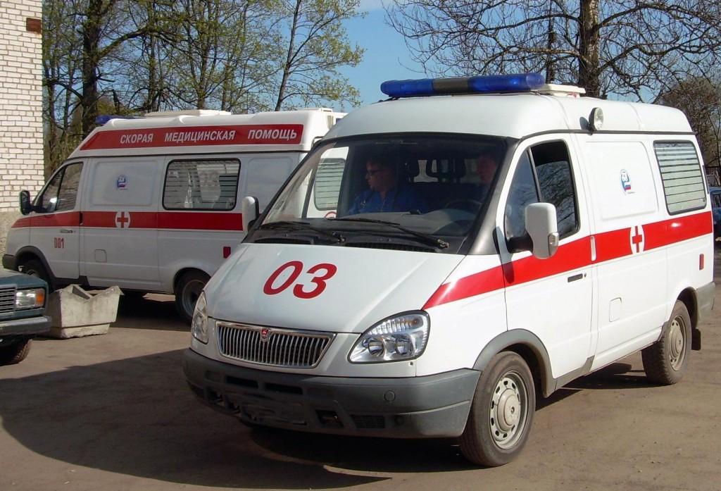 В омском отделении полиции пьяная женщина сломала нос врачу скорой помощи