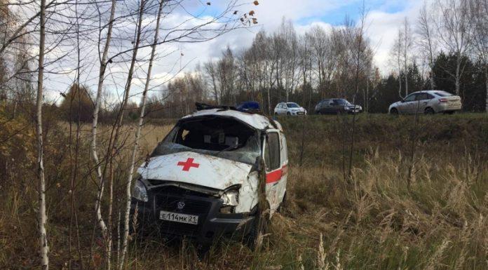 """В Чувашии перевернулся автомобиль """"скорой"""": пострадали 5 человек"""