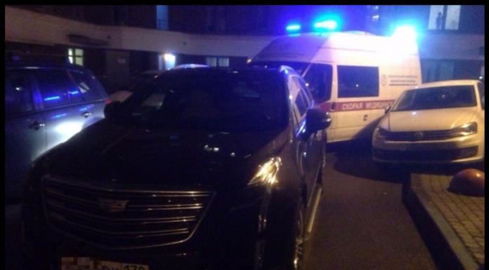 В Ленобласти кадиллак заблокировал проезд ехавшей на вызов скорой помощи
