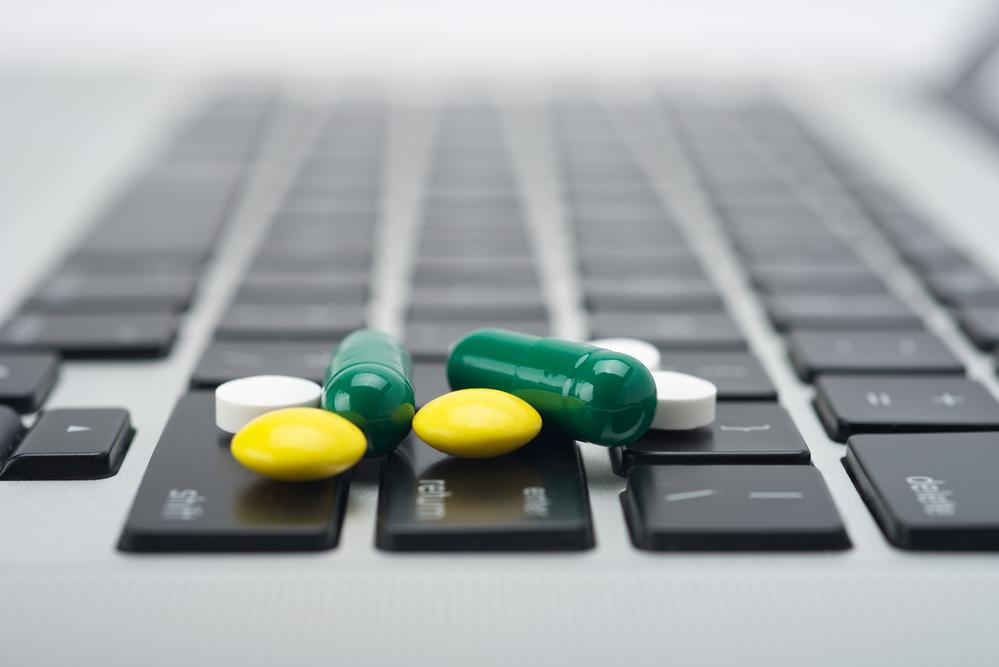 Незаконную торговлю лекарствами в Интернете оценили в 45-75 миллиардов рублей