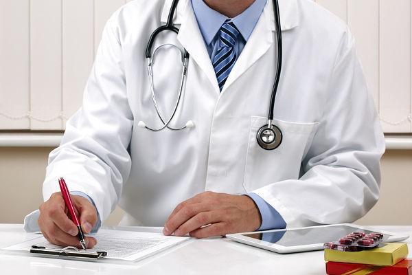 В Братске пациент во время осмотра напал на врача-нейрохирурга