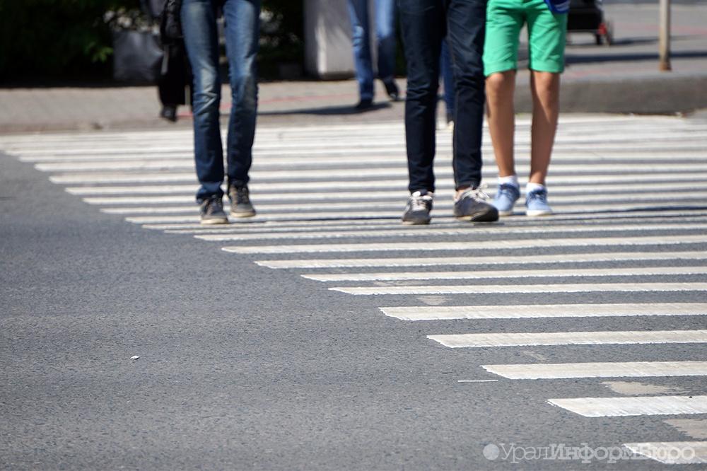 В Челябинске «скорая» сбила пьяного мужчину на пешеходном переходе