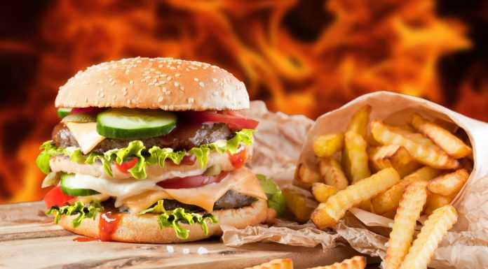 Минздрав добивается ограничения рекламы вредной еды