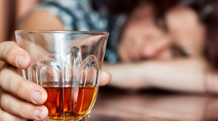 За последние 12 лет потребление алкоголя в России снизилось в два раза