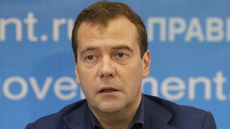 Медведев призвал навести порядок на фармакологическом рынке