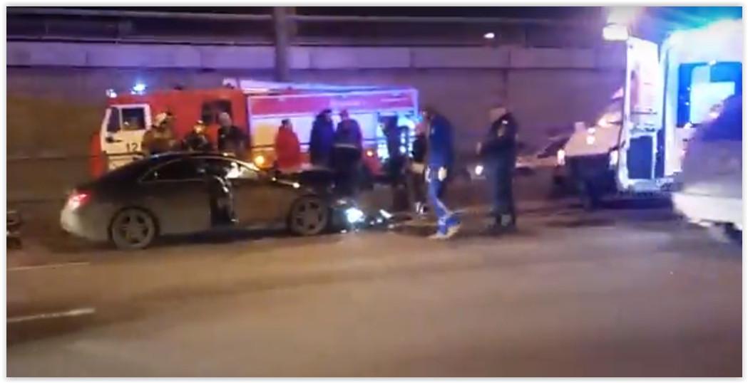 В Петербурге в ДТП со скорой серьезно пострадала женщина