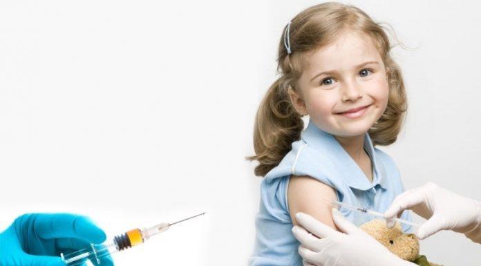 Новосибирский минздрав опроверг слухи о принуждении к отказу от прививок