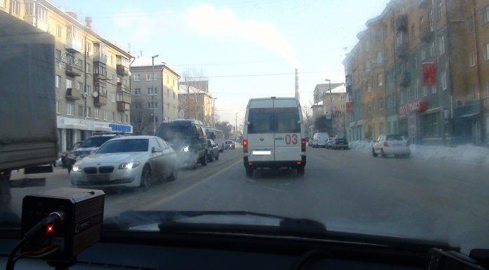 В Екатеринбурге за два дня поймали 29 не пропустивших скорую водителей