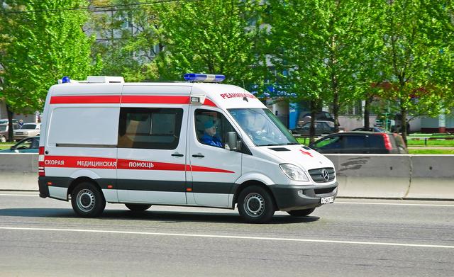 В Москве муж пациентки напал с ножом на бригаду скорой
