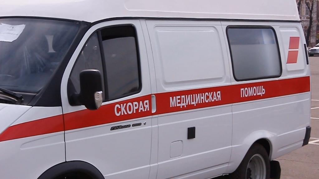 В Саратове не желавший ехать в больницу бомж травмировал фельдшера «скорой»