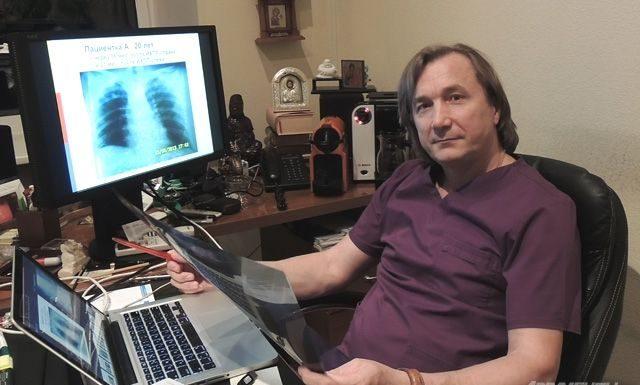 Хирург из Санкт-Петербурга удалил женщине 70 метастазов. Пациентка живёт уже девятый год
