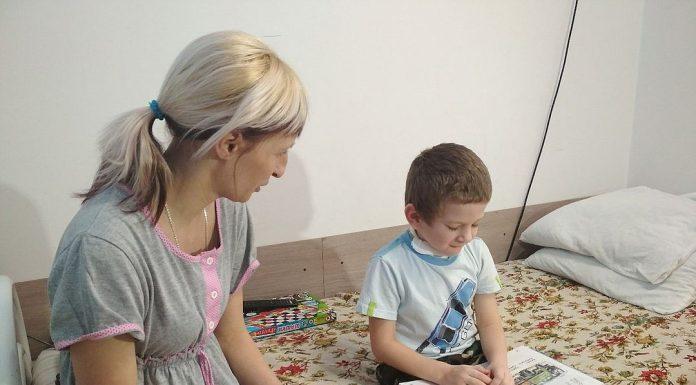 Кемеровские врачи помогли родившемуся без языка ребёнку начать говорить