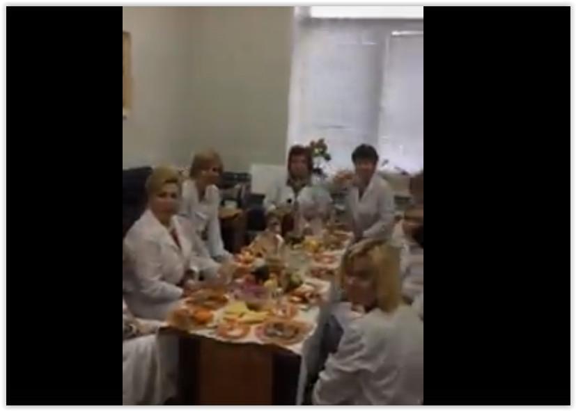 В Рязани врачей кардиологического диспансера уволили из-за застолья в рабочее время