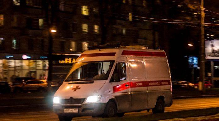 В Омске пьяный житель жестоко избил водителя скорой помощи